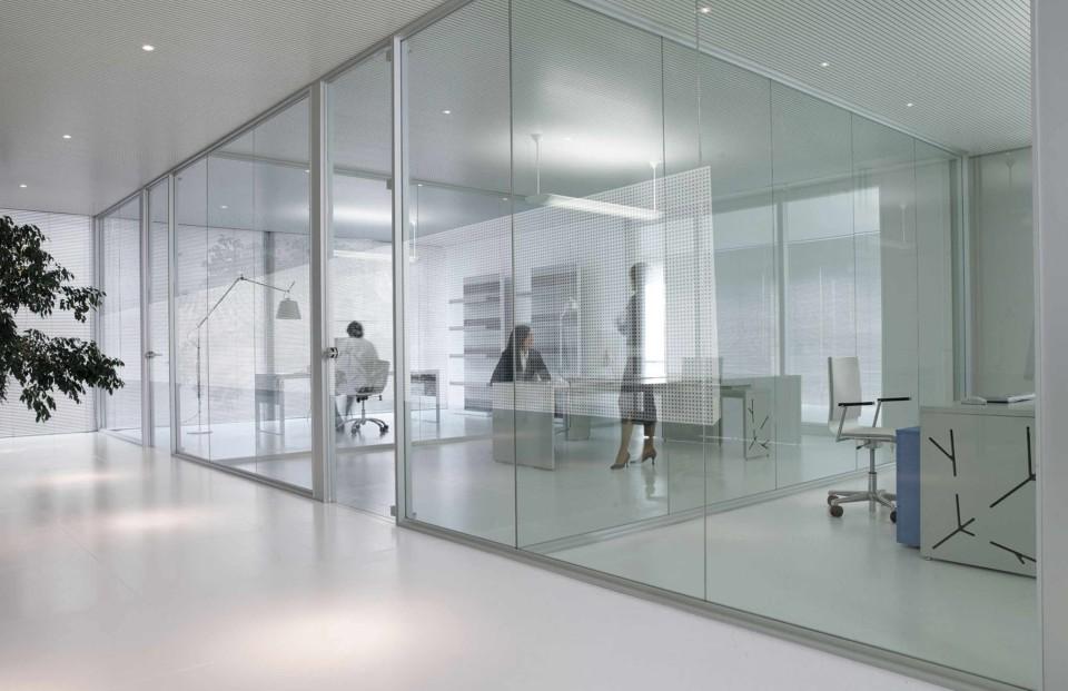 Crear distintos espacios en la oficina Oftega