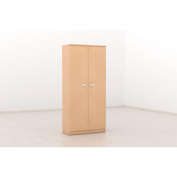 Armario alto con puertas